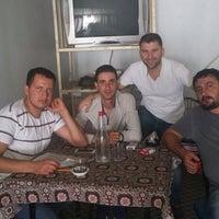 Photo taken at Asmali cay bahcesi by Turgay K. on 9/25/2015