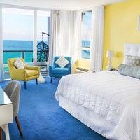 Foto tirada no(a) Deauville Beach Resort por Deauville Beach Resort em 9/30/2016