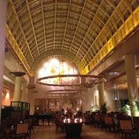 Photo taken at The Ritz-Carlton Millenia Singapore by Quyen C. on 3/1/2013