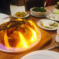 Foto tirada no(a) Çakıl Restaurant - Ataşehir por Sibel D. em 3/7/2018