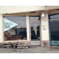 7/10/2013 tarihinde Stephanie Anne C.ziyaretçi tarafından General Store'de çekilen fotoğraf