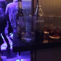 Foto tomada en Think Bar por Brazuca S. el 12/12/2015