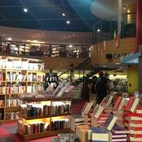 Foto diambil di Livraria Cultura oleh Andrea F. pada 2/20/2013