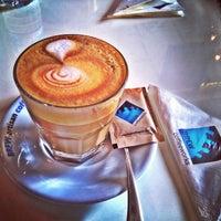 Photo prise au Brew Coffee Works par 🌎✈️Simla Jasmine✈️🌏 le1/31/2013