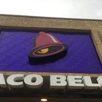 Photo taken at Taco Bell by Stephen G. on 7/21/2016
