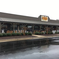 Photo taken at Cracker Barrel Old Country Store by Stephen G. on 2/4/2018