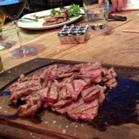 4/21/2013 tarihinde Timur D.ziyaretçi tarafından Nusr-Et Steakhouse'de çekilen fotoğraf