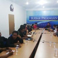 Photo taken at Kabar Priangan by Duddy R. on 12/15/2012