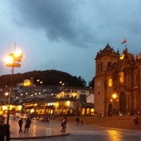 Foto tomada en Plaza de Armas de Cusco por Auri G. el 7/5/2013