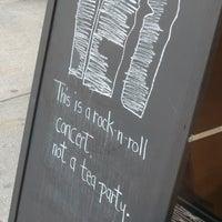 Снимок сделан в Birch Coffee пользователем Aristippos 4/20/2013