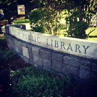 Photo prise au Danbury Public Library par Alexa R. le9/29/2012