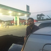 Photo taken at Gasolinera 11404 by Isis M. on 11/18/2016