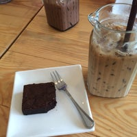 Photo taken at b-made coffee&bakery by Prapaporn P. on 7/16/2015
