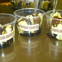 Foto tirada no(a) Empório Brownie por Renata C. em 9/26/2012