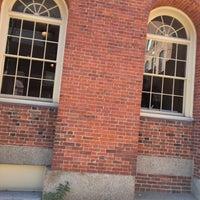 Das Foto wurde bei Old Town Hall in Salem von Diana G. am 11/11/2016 aufgenommen
