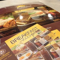 Photo taken at OldTown White Coffee by Manfrad L. on 3/8/2013