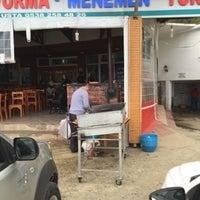 Photo taken at köfteci mehmet usta dokuzdolamaç by Ayşegül A. on 4/24/2016