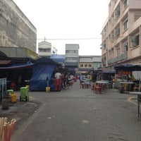 Photo taken at Wai Sek Kai 為食街 by J F. on 3/16/2013
