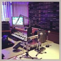 Photo taken at RBS Rádios by Jamur B. on 3/22/2013