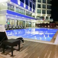 Photo taken at Hampton By Hilton Çanakkale Gallipoli by Samet O. on 8/11/2017