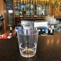 Снимок сделан в Moxie's Grill & Bar пользователем Michael Steven W. 3/28/2018