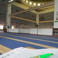 Photo taken at masjid al-muttaqin by Meeya A. on 8/9/2015