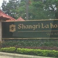 Photo taken at Shangri-La Hotel by Ryan i. on 4/27/2013