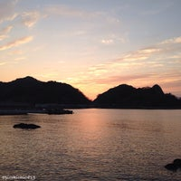 Photo taken at 諸寄海岸 by pirokichi0819 on 10/29/2013