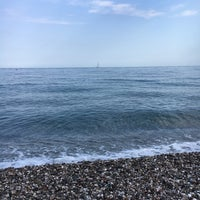 Photo taken at Spiaggia Di Fondachello by Paulien F. on 9/7/2017