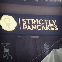 Photo prise au Strictly Pancakes par Shawn L. le12/9/2012