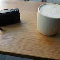 Das Foto wurde bei Starbucks von Nico B. am 1/29/2017 aufgenommen