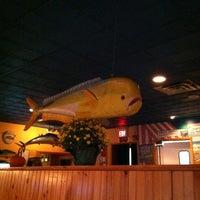 Foto tirada no(a) Big Fish Grill por Harry P. em 10/18/2012