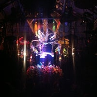 Photo taken at Walt Disney's Enchanted Tiki Room by Lindsay K. on 7/4/2013