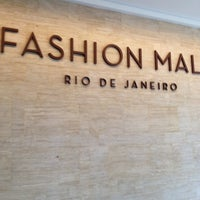 Photo taken at Fashion Mall by Paulo Roberto S. on 5/31/2013