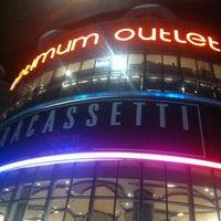 11/20/2012 tarihinde Ali B.ziyaretçi tarafından Optimum Outlet'de çekilen fotoğraf