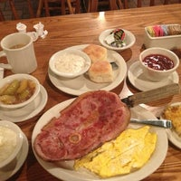 Photo taken at Cracker Barrel Old Country Store by Scott G. on 7/23/2013