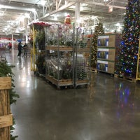Photo taken at Costco Wholesale by Ekameva H. W. on 11/17/2016
