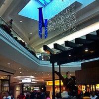 11/23/2012 tarihinde Valö B.ziyaretçi tarafından Cherry Creek Shopping Center'de çekilen fotoğraf
