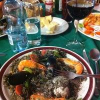 Foto tomada en Restaurante El Campanario por Mario P. el 2/25/2013