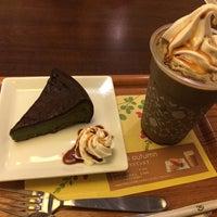 Photo taken at nana's green tea イオン熱田SC店 by Hidemaro M. on 9/27/2014