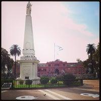 Foto tirada no(a) Plaza de Mayo por Antonio S. em 4/27/2013