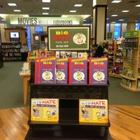 Photo taken at Barnes & Noble by Roland L. on 3/3/2013