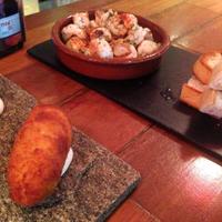 Foto scattata a Binomio Spanish Restaurante da Lady D. il 11/23/2017