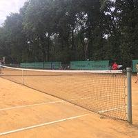 รูปภาพถ่ายที่ Central Park Tennis Club โดย Andriy B. เมื่อ 9/3/2017