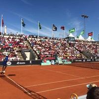 Foto tirada no(a) Båstad Tennis Stadium por Marcus N. em 7/21/2015