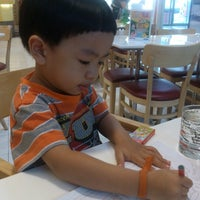 Photo taken at Swensen's by Vud พ. on 12/26/2012