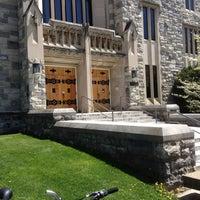 Foto tomada en Newman Library por Lloyd B. el 4/23/2013