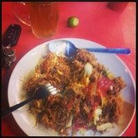 Photo taken at Restoran Bangi Impian Maju by Abdul B. on 5/25/2013