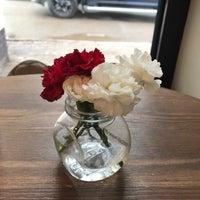 Снимок сделан в Luna coffeeshop пользователем Juli J. 5/16/2017