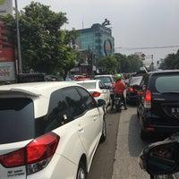 Photo taken at Jalan Mampang Prapatan Raya by Doni H. on 7/29/2017
